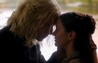 4-Jon Snow and Dragon (12)